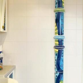Bad mit Blauer Säule von Guido Kratz