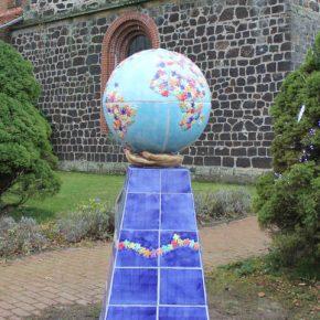 Einweihung in Mandelsloh, Straße der Kinderrechte, Skulptur Guido Kratz, Keramik, Hannover 7
