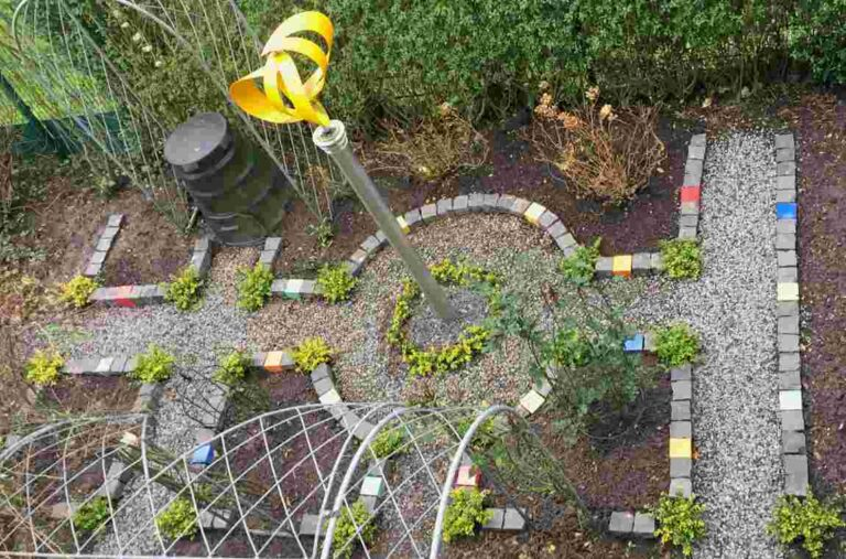 Garten mit Keramik Pflastersteinen von Guido Kratz aus Hannover