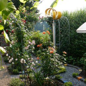 Garten mit Keramik Pflastersteinen von Guido Kratz aus Hannover 4