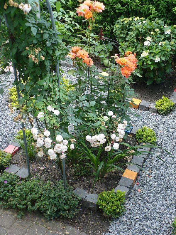 Garten mit Keramik Pflastersteinen von Guido Kratz aus Hannover 3