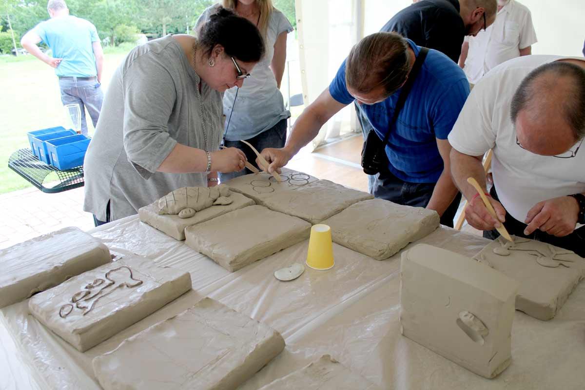 Ein Skulpturen-Workshop in Wilhelm gefeller Bildungszentrum mit IGBCE von Guido Kratz aus Hannover Bild 1