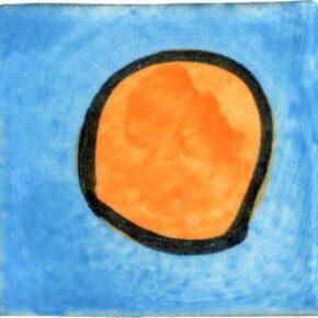 Keramik Pflasterstein bemalt punkt türkis orange von Guido Kratz aus Hannover