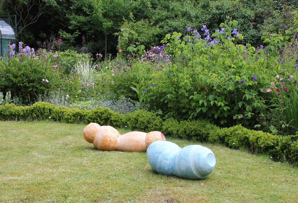 Keramikobjekte von Guido Kratz aus Hannover in der offenen Pforte 1