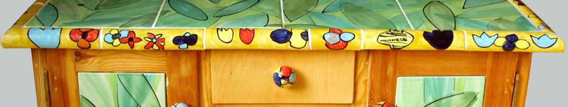 Kommode mit handgearbeiteten Fliesen von Guido Kratz aus Hannover