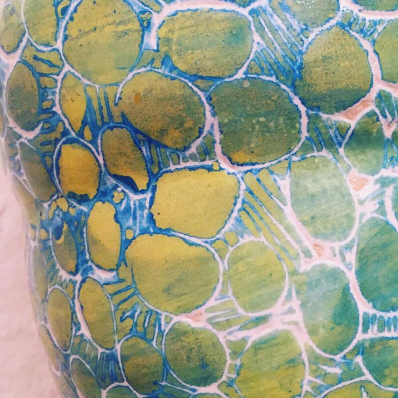 Kunst im Korridor 3, eine Ausstellung mit Keramik-Gefäßen von Guido Kratz aus Hannover