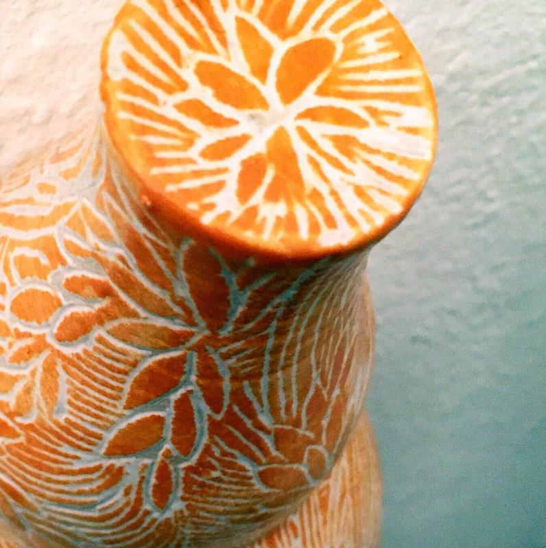 Kunst im Korridor 5, eine Ausstellung mit Keramik-Gefäßen von Guido Kratz aus Hannover