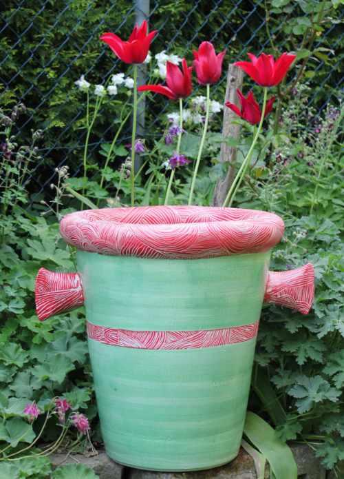 Handgedrehtes Pflanzgefäß grün rot von Guido Kratz aus Hannover