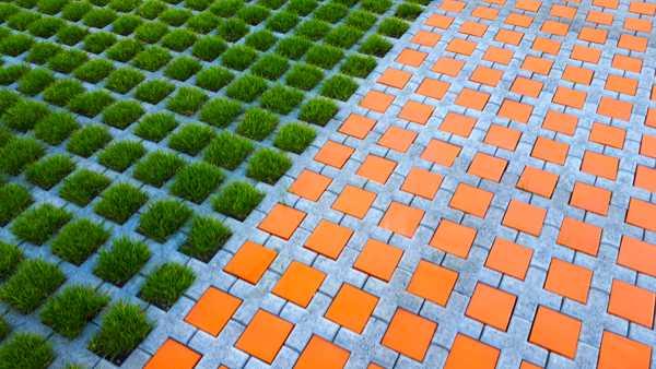 Keramik -Pflastersteine in orange von Guido Kratz aus Hannover