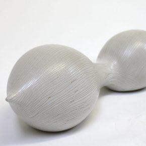Weiße Keramikskulptur von Guido Kratz aus Hannover 4
