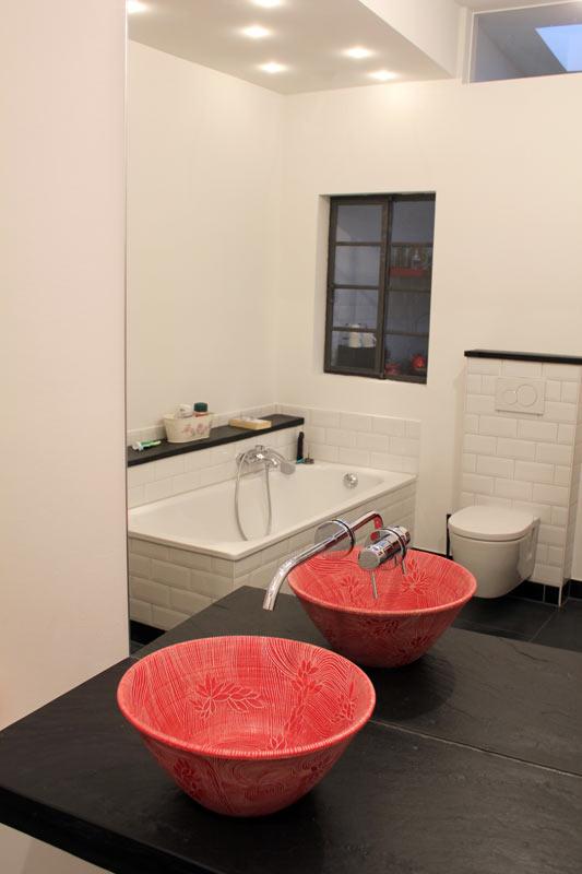 Waschbecken rot mit Sgraffitomuster von Guido Kratz aus Hannover Bild 2