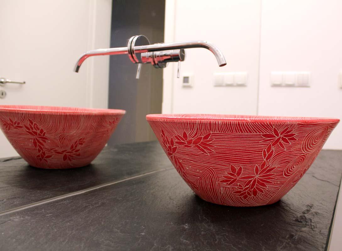 Waschbecken rot in Sgraffito Malerei von Guido Kratz in Hannover Bild 4