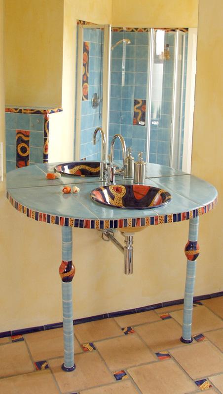Keramik Waschtisch mit kleinen Säulen von Guido Kratz