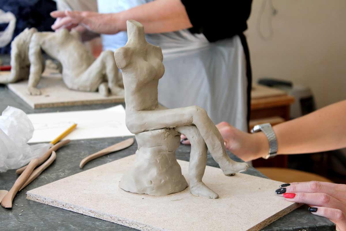 Weibsbilder, ein Skulpturen-Workshop von Guido Kratz aus Hannover, Bild 02