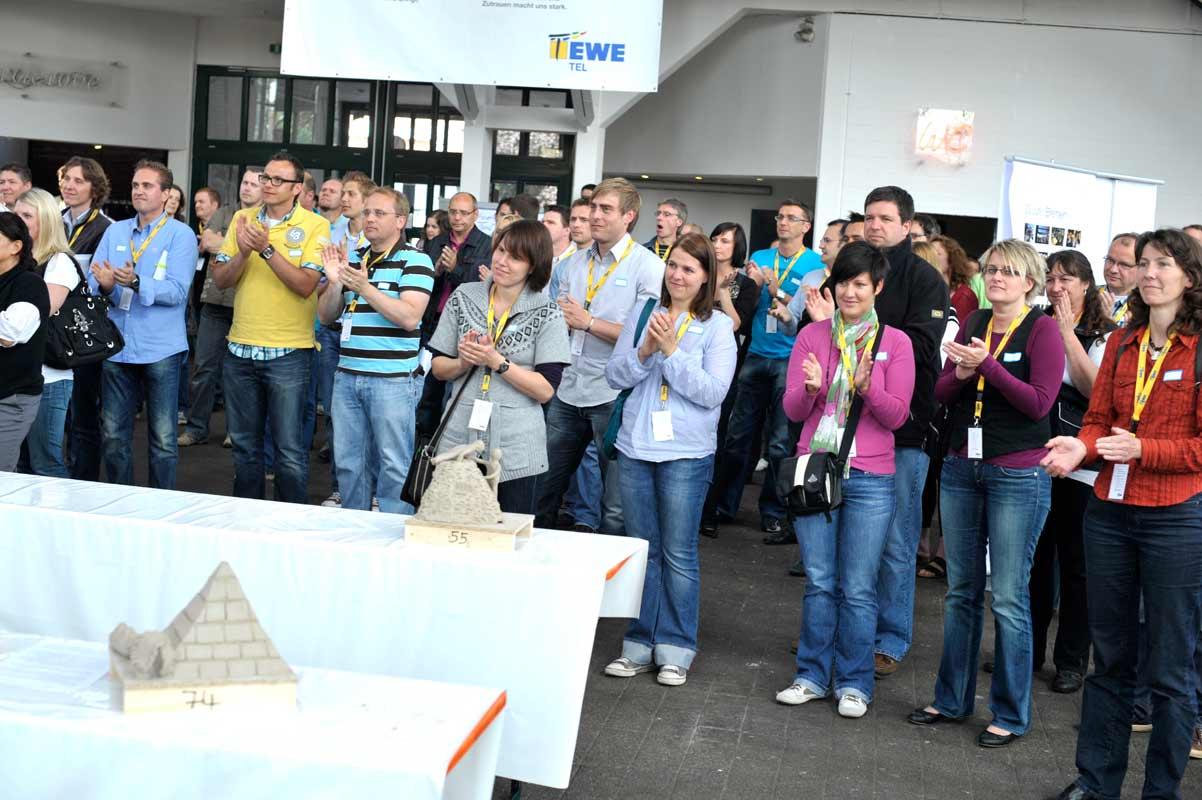 Skulpturen-Workshop mit Unternehmensleitsätzen, Teambildung, von Guido Kratz aus Hannover Bild 08