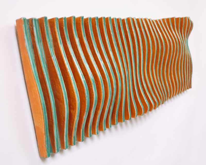 bewegtes Wandrelief aus Keramik grün orange 2 von Guido Kratz aus Hannover