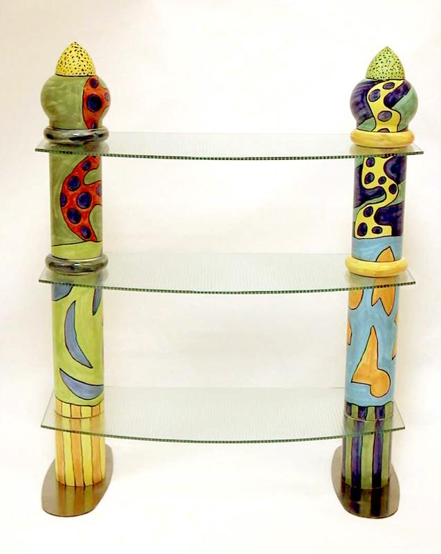 Kleines Keramikregal mit zwei Säulen von Guido Kratz
