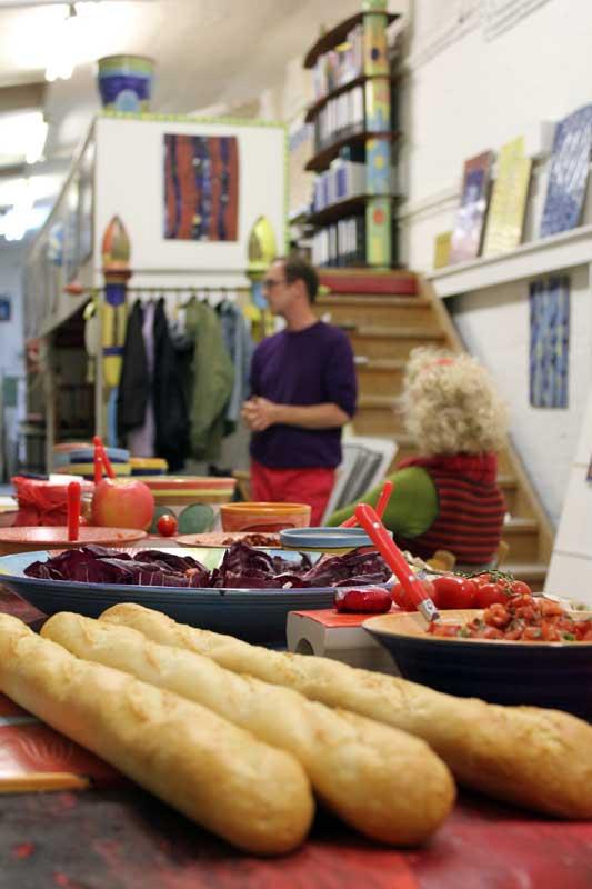 Rotes Essen - Ausstellung von Guido Kratz aus Hannover Bild 3
