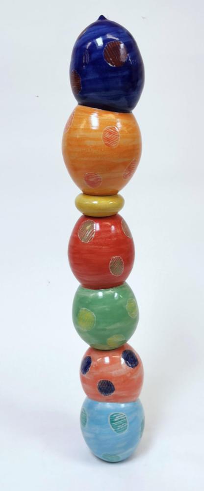 tanzende Keramik Säule 1 vom Keramiker Guido Kratz aus Hannover